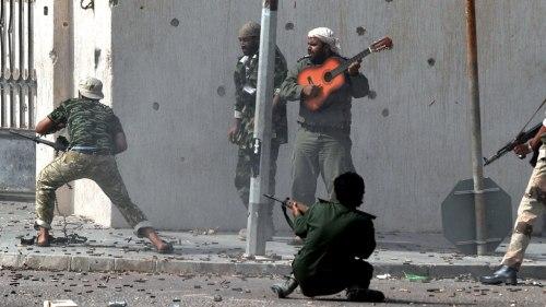18_libyaguitar_w
